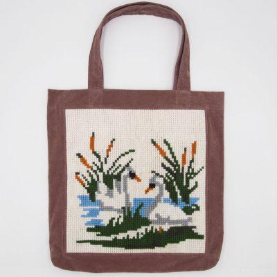 Veľká taška s výšivkou - Labute / Bartinki