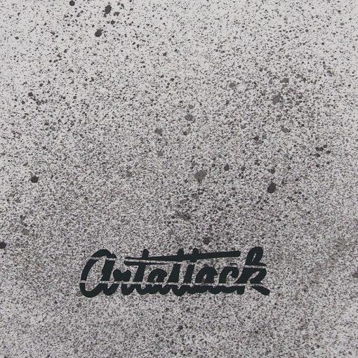Biely Streetart vak s čiernym dizajnom #4