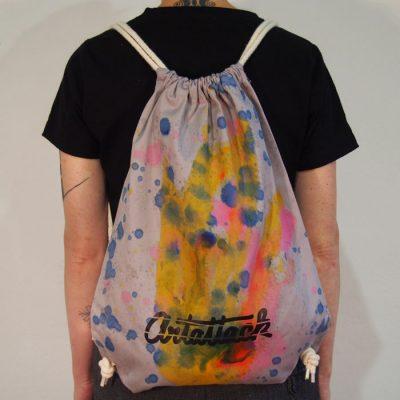 Sivý Streetart vak s farebným dizajnom #3