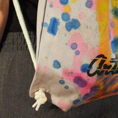 Sivý Streetart vak s farebným dizajnom #5