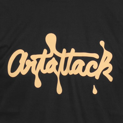 čierne tričko artattack logo