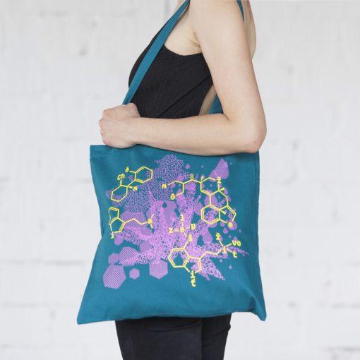 Tyrkysová plátená taška chémia