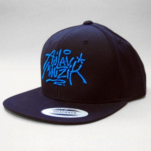 Čierny snapback ajlavmjuzik tag modré logo