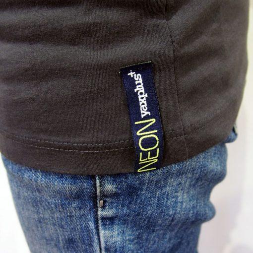 Tmavo šedé tričko 60´s neon s UV potlačou