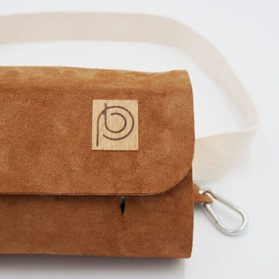 Ľadvinka z recyklovanej kože hnedá - Pangea Boards