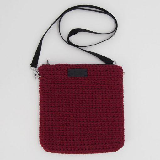 Štrikovaná crossbody taška bordová / Pletka
