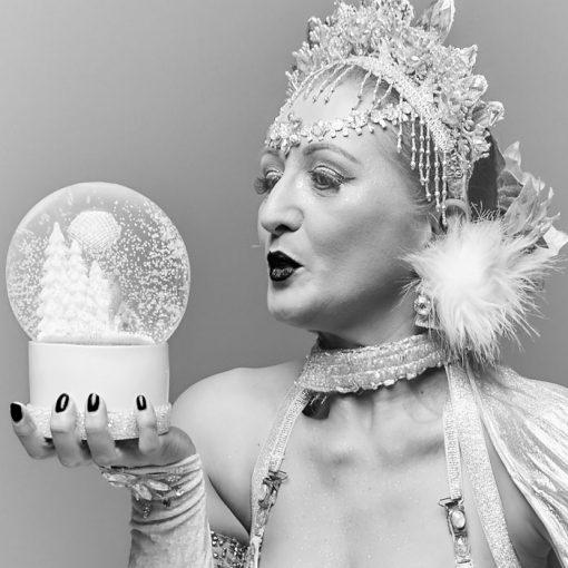 Bratislava Burlesque #5 - Dorota Holubová / foto print v rám