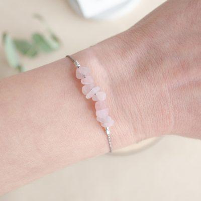 Ruženín - minerálny kameň+hodvábna šnúrka / náramok